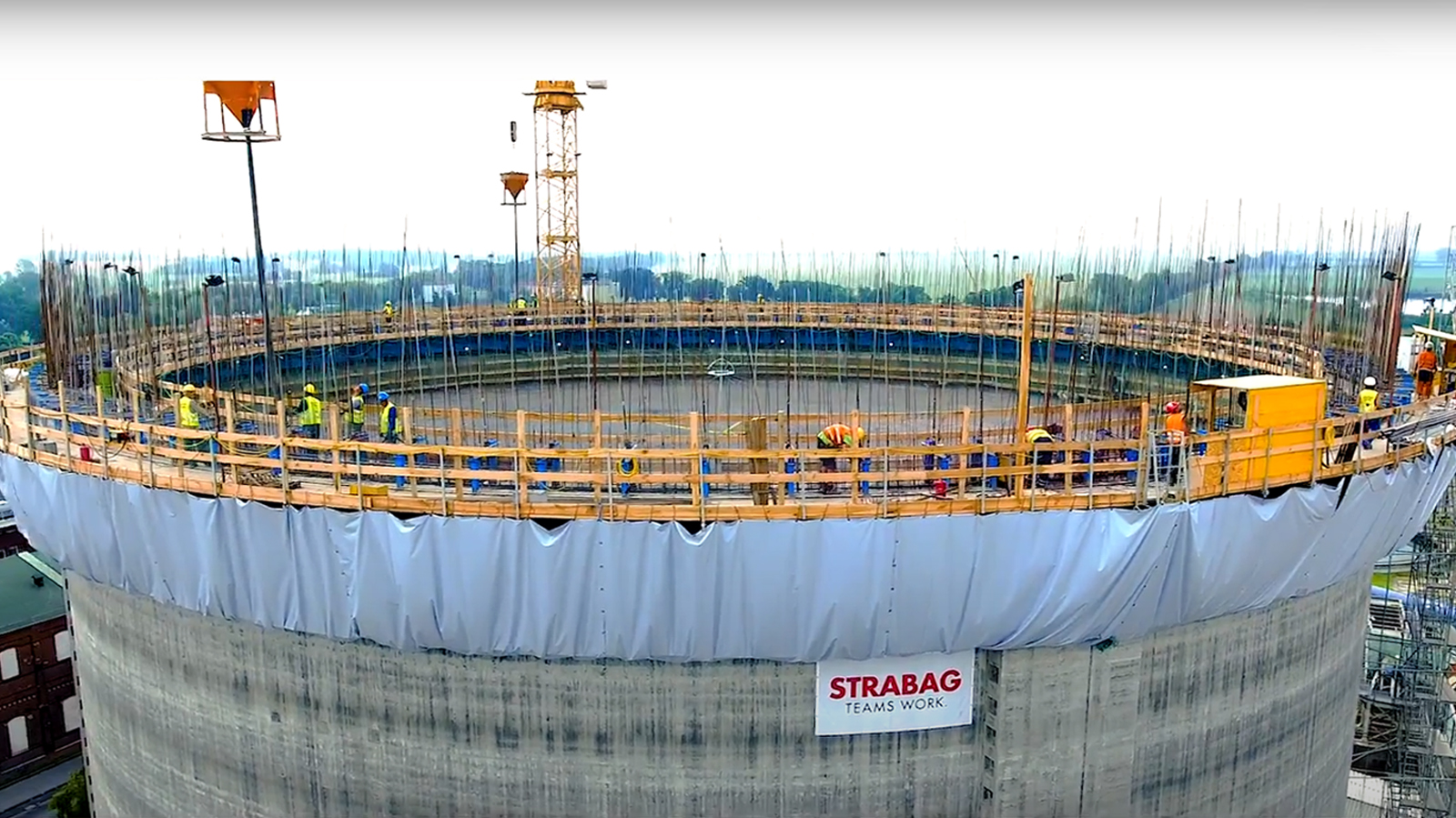 Construction of the 60 thou. ton capacity silo for storing loose sugar